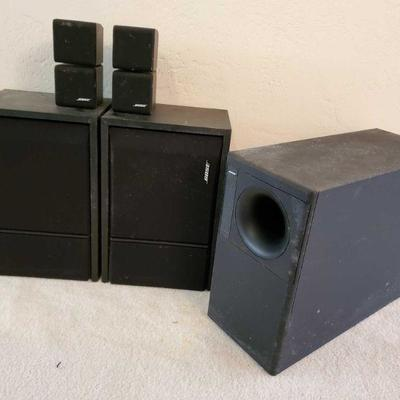 5 Bose Speakers 2 201 Series III Bose Speakers, 1 Acoustmass 5 Seris II, Others Unknown