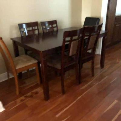 PA015 Dinning Table with 4 Matching Chairs $250 . We will not hold unless Paid for Venmo @Rafael-Monzon-1 PayPal:...