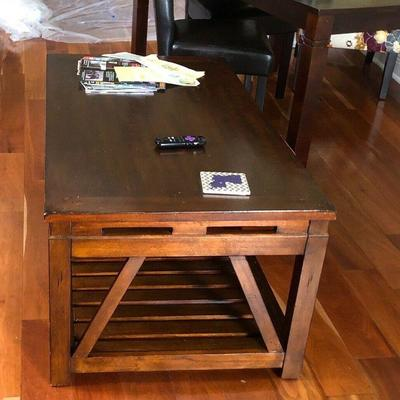 https://www.ebay.com/itm/114183801598	PA025: Wood Coffee Table Local Pickup