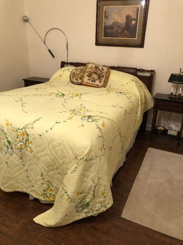 BU1012F: Full Size Bed Frame Upstairs Local Pickup $125 $125