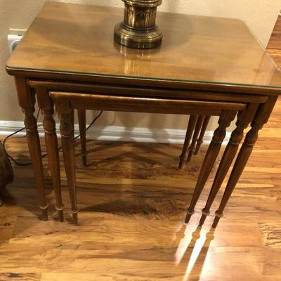 https://www.ebay.com/itm/124190133198BU1057: 3 Stackable Nesting Tables with Glass Top Local Pickup $60