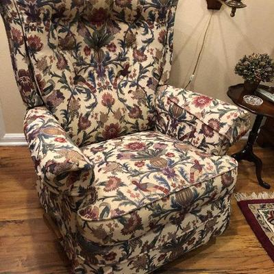 https://www.ebay.com/itm/114226207130BU1042: Vintage Rocking Floral Cloth Fabric Local Pickup $75