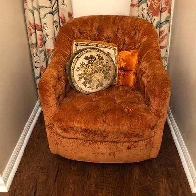 https://www.ebay.com/itm/124190310897BU1104: Crushed Velvet Tufted Rust Color Mid Century Occasional Chair Local Pickup $75
