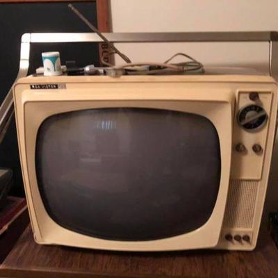 https://www.ebay.com/itm/114227010853BU1096: 1960s Movie Prop TV Untested Local Pickup Auction