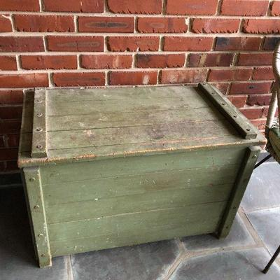 https://www.ebay.com/itm/124190253108BU1093: Green Distressed Primitive Toy Box #1 Local Pickup $45