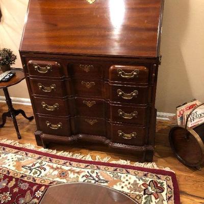 https://www.ebay.com/itm/124189446281BU1040: Early American Secretary Writing Desk with Hind away Drawers Local Pickup $395