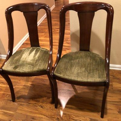 https://www.ebay.com/itm/124189392453BU1034: 2 Antique Queen Anne Style Dinning Chairs Local Pickup $180