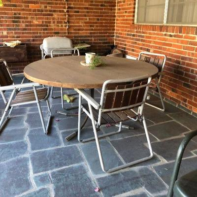 https://www.ebay.com/itm/124190285890BU1099: Outdoor Table and Chairs $95