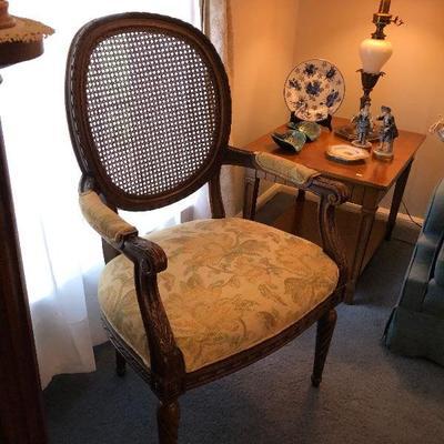 https://www.ebay.com/itm/124189182518BU1018: Vintage Occasional Parlour Chair Local Pickup $125