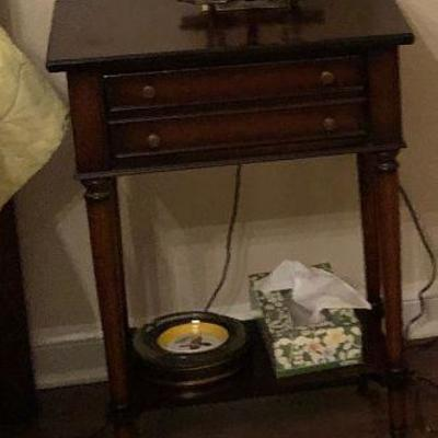 https://www.ebay.com/itm/124189139162BU1012T-1 Accent / End / Night Table Local Pickup $35