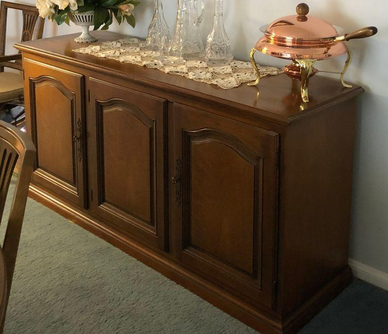 BU1029 Mid Century Mediterranean Servicing Buffett Cabinett Local Pickup	 $195