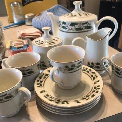 Tea set 8.00