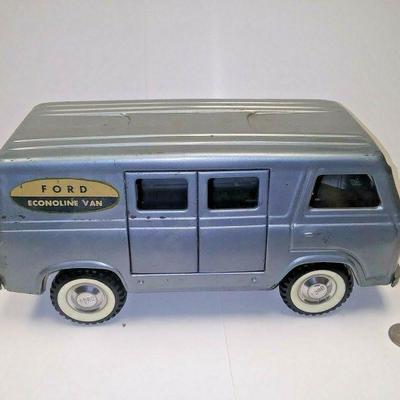 https://www.ebay.com/itm/114227159287BU3026 VINTAGE 1960s TOY BLUE FORD ECOONOLINE VAN PRESSED STEEL NYLINT TOYS 1:18 Auction