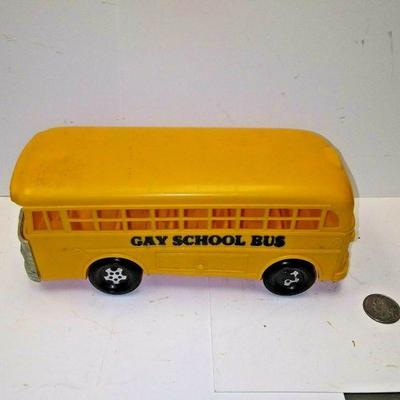 https://www.ebay.com/itm/114227165588BU3031 VINTAGE 1960s PLASTIC TOY YELLOW SCHOOL BUS  MARKED GAY SCHOOL BUS ON BOT Auction
