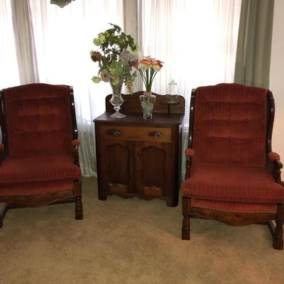 Vintage chairs and small cabinet