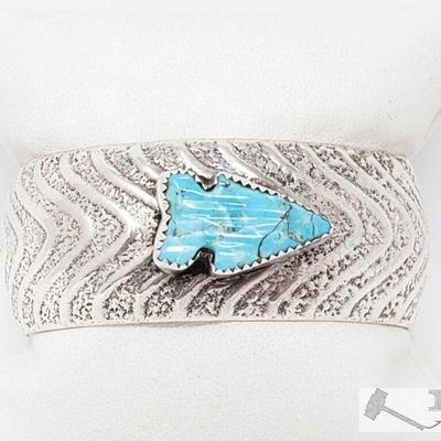 201  AMAZING VINTAGE NATIVE AMERICAN NAVAJO ARROWHEAD TURQUOISE STERLING SILVER BRACELET Value $800.00 Here we have an amazing vintage...