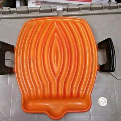 https://www.ebay.com/itm/114237258720	BU3072 USED VINTAGE LE CREUSET FLAME ORANGE GRILL CAST IRON ENAMELED MADE IN 	 Auction