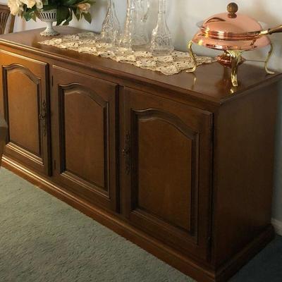 https://www.ebay.com/itm/114240040202BU1029 Mid Century Mediterranean Servicing Buffett Cabinett Local Pickup Auction