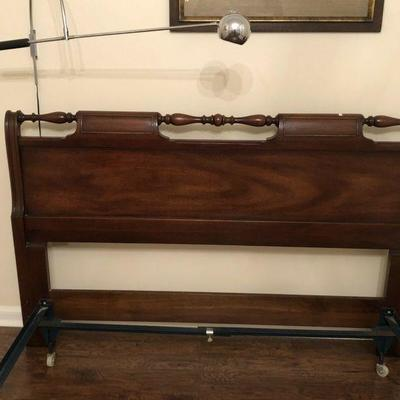 BU1012Fhttps://www.ebay.com/itm/114240032509BU1012F: Full Size Bed Frame Upstairs Local Pickup $125 Auction