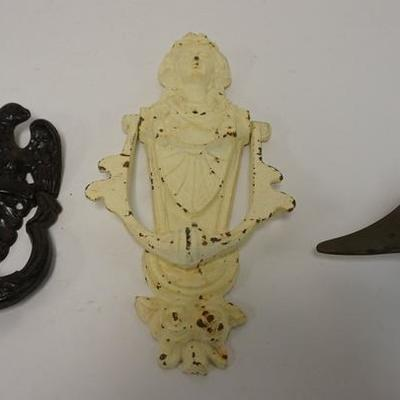 1001LOT OF 3 METAL DOOR KNOCKERS, CAST IRON EAGLE AND VICTORIAN LADY AND BRASS GOOSE HEAD