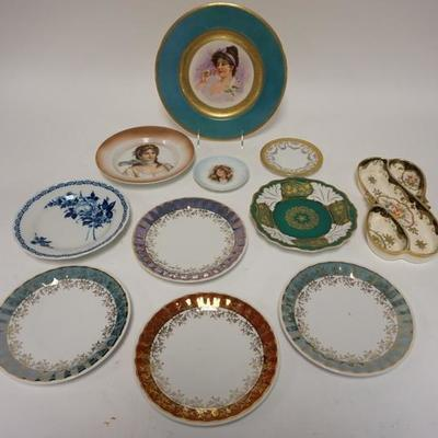 1006TABLE LOT OF ASSORTED DECORATIVE DISHES