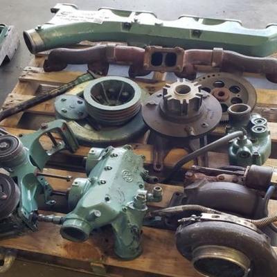 4 Pallets of Detroit Diesel Series 60 12.6L six cylinder diesel engine parts