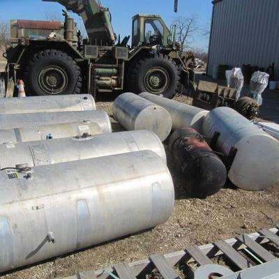 Lot of 10 Diesel Aluminium fuel tanks with 1 Steel Reefer Tank Several 150 Gallon Tanks in the lot