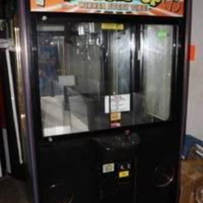Double Up Arcade Claw Machine - 2 CLAWS in 1 GAME – A crane machine made for second chances Watch VIDEO