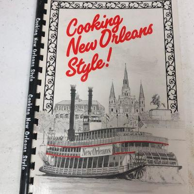https://www.ebay.com/itm/124209011426	LAN9880 Cooking New Orleans Style Cookbook	 $5.00 	Buy-It-Now