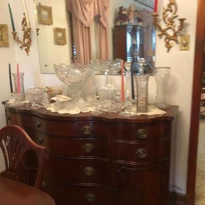https://www.ebay.com/itm/124217940769MD2107 Duncan Phyfe Drexel Buffet / Sideboard / Serving Cabinet Local Pickup $195