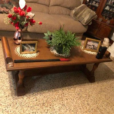 https://www.ebay.com/itm/124218750669MD2124: Mid-Century Modern Coffee Table Local Pickup at Estate Sale $95.00