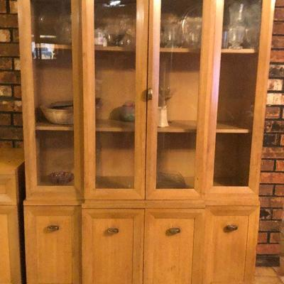 https://www.ebay.com/itm/114260156681	RG2100: Mid Century Modern Drexel China Cabinet Hutch Local Pickup at Estate Sale