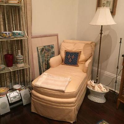 https://www.ebay.com/itm/114291110974Pr1048: Settee / Lounge Chair Estate Sale Local PickupAuction