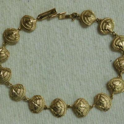 14 k Shell Bracelet