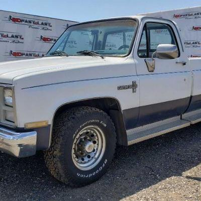 1986 Chevrolet C20, See Video! Current Smog  Current Smog Year: 1986 Make: Chevrolet Model: C20 Vehicle Type: Pickup Truck Mileage: 74080...