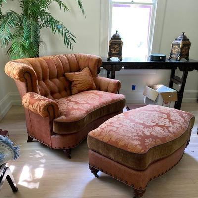 Carol Hicks Bolton EJ Vector Sofas, ottomans. Beautiful and pristine condition