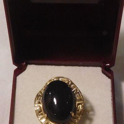 14 k Onyx Ring