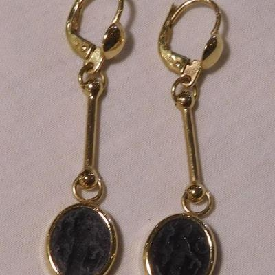 14 k Cameo Earrings -- Hand Carved