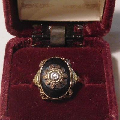 10 k Onyx and Diamond Ring