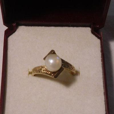 14 k Pearl Ring -- Tested 14 k