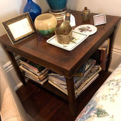 PR1024 https://www.ebay.com/itm/114314515699 PR1024: Vintage End / Accent Table Local Pickup Auction  Starts After 6PM 07/22/2020