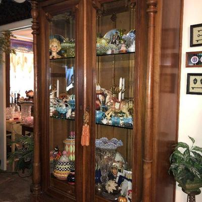 WL5010 https://www.ebay.com/itm/124268133609 WL5010: Oak Glass Front Display Cabinet with Glass Shelves Local Pickup Auction  Starts...