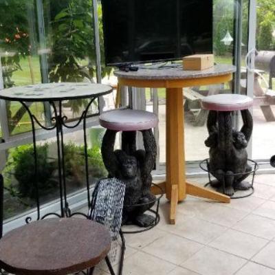 2 tall tables, stools w/bear bases