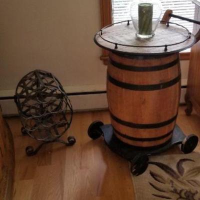 Wine rack & barrell table