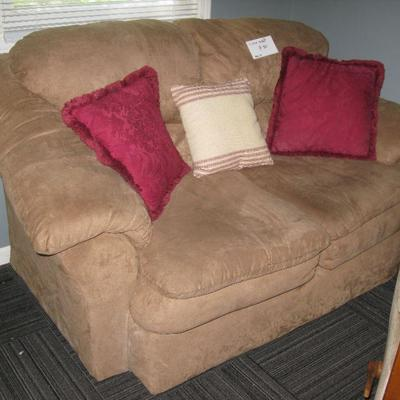 LOVE SEAT       BUY IT NOW  $ 80.00