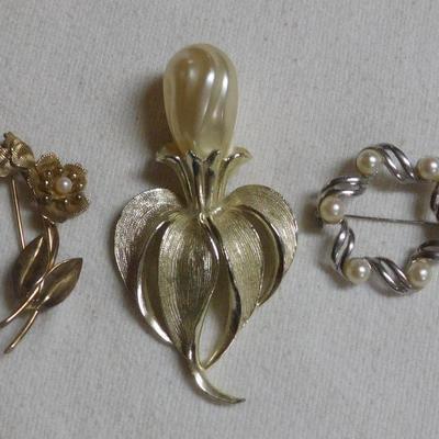 Pearl Pins