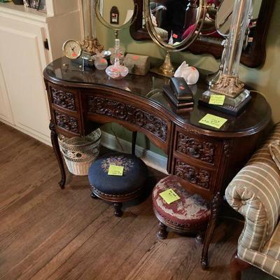 Find a better carved front kidney desk.