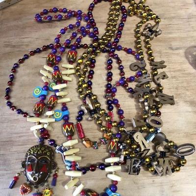 https://www.ebay.com/itm/124277160321WL7076: Jazzfest New Orleans Jazz Festival Bead NecklacesAuction