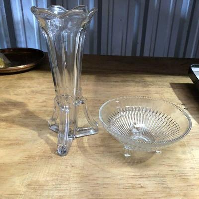 https://www.ebay.com/itm/114327341131WL7070: Two Pieces of Modern Clear Glass Local PickupAuction