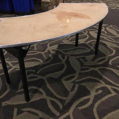 APB229 Semi Circle Banquet Table